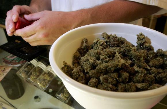 tamaie schimbata cu marijuana