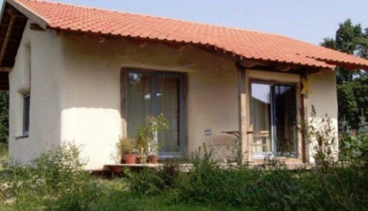 Casa care costă 1000 euro și se face în România
