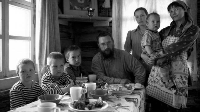 Află povestea celui mai bogat rus  care și-a vândut averea și trăieşte ca în Biblie.