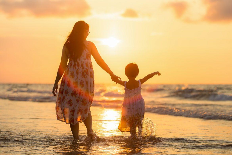 Obligați să plătească pensii aceluiași copil, deși doar unul e tatăl!