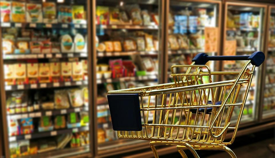 Cum își bat joc producătorii de alimente de consumatori