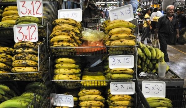 Mănâncă banane cu coaja neagră. Au beneficii uimitoare.