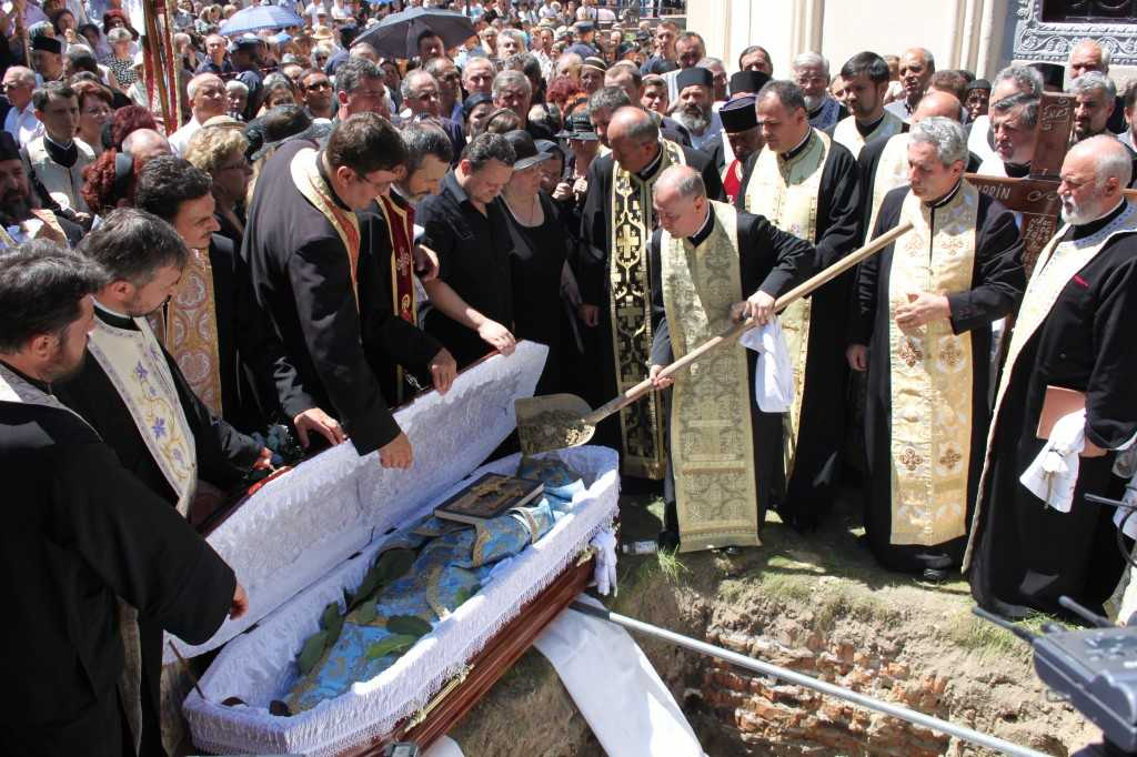 Cazul fetei care a înviat la propria înmormântare în județul Neamț