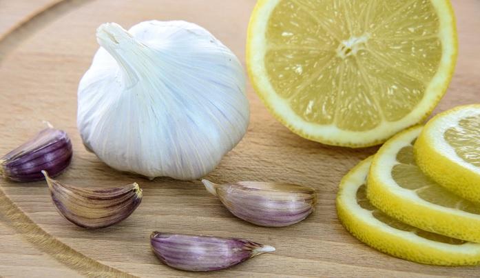 Usturoiul împreună cu lămâia poate face minuni pentru sănătate
