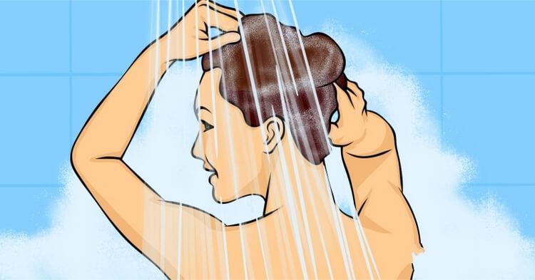 10 greșeli pe care majoritatea oamenilor le fac la duș
