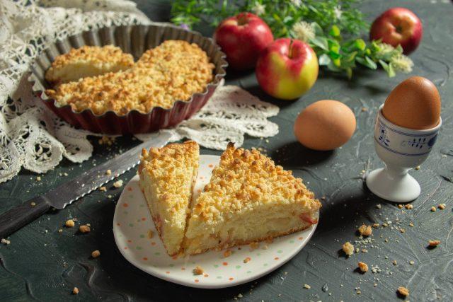Plăcintă simplă de mere cu Streusel. Super gustoasă.